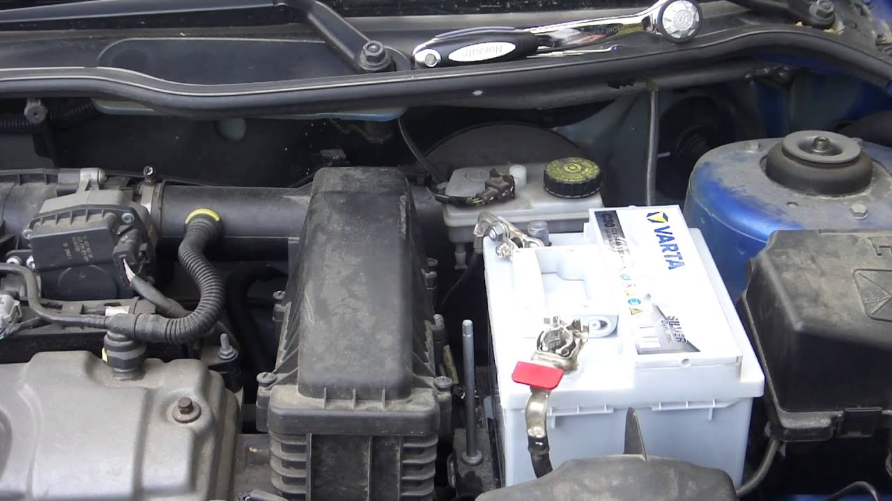 peugeot 206 changer sa batterie youtube