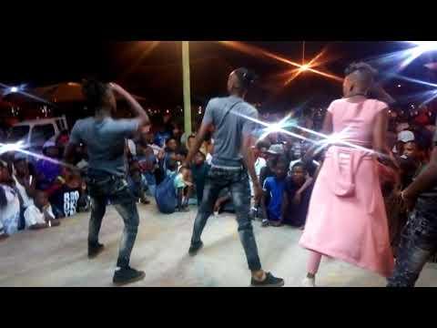 Zinhle Ngidi live performance at Vus'Shaun Pretoria