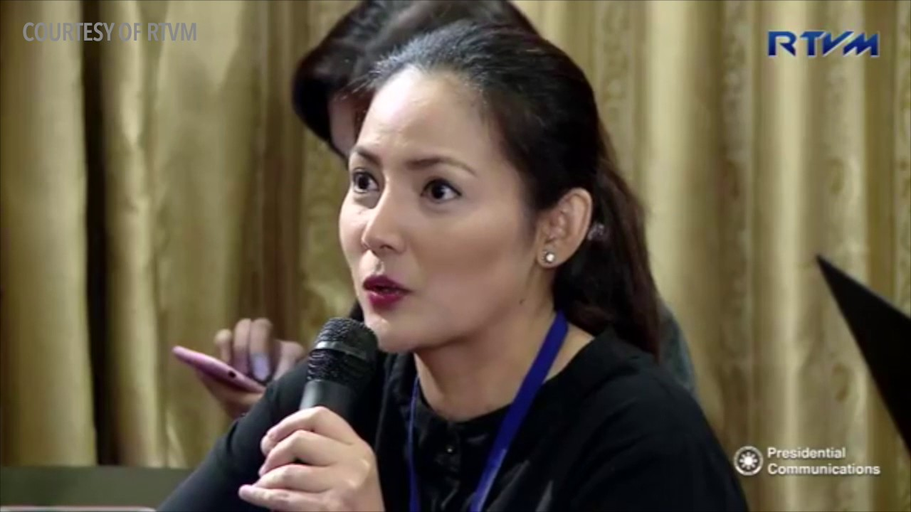 Malacañang Press Corps Grill Pcoo Official On Bloggers Accreditation Youtube