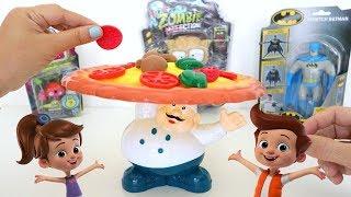 Totoykids juega a Pizzero no dejes caer la Pizza!!! Niños contra Niñas! Quién ganará???