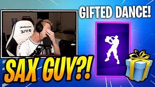 "TFUE got *GIFTED* ¡Nuevo ""PHONE IT IN"" Emote/Dance! - Fortnite Epic & Funny Moments"