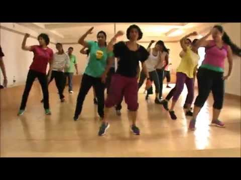 Zumba® Routine by Vijaya | Pasarela by Daddy Yankee