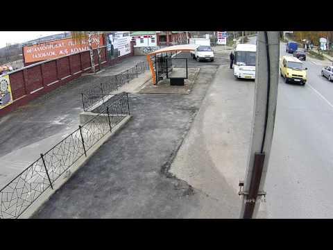 Врезался в остановку 'СтройДвор'  Воткинск  28 10 16