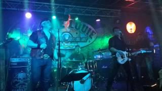 Crude Rock Jump (Van Halen) - Louie Louie Estepona