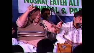 Yaad-e-Nabi Ka Gulshan Mehka Mehka Lagta Hai