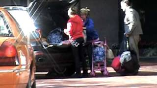 Jamie Lynn, Casey and Maddie leave Britney' hotel in New Orleans (09/03/04)