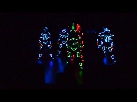 Видео, Вселенский Карнавал Огня 2013 Световое шоу.Светлые люди
