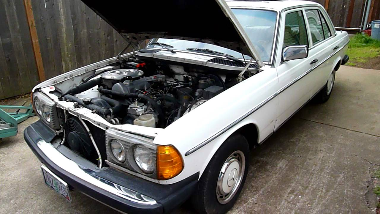 1981 mercedes benz 240 diesel 4 speed youtube for Mercedes benz diesel engines for sale