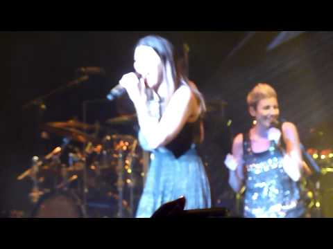 Laura Pausini - Non c'e Live in London 22/05/2012 Inedito World Tour