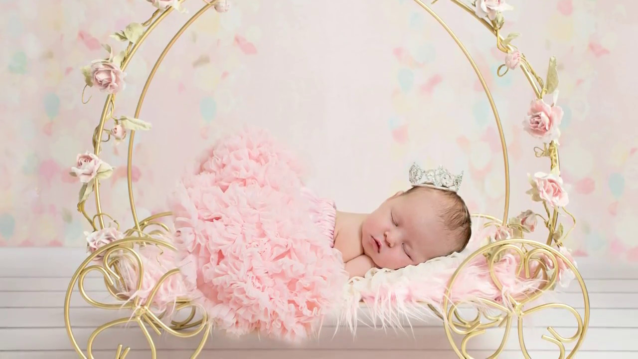 Using digital backdrops in photoshop newborn photography editing realistic look