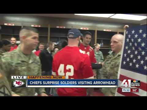 Kansas City Chiefs players surprise men and women in uniform