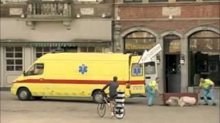 اكثر فيديو مشاهدة في اوروبا  مقلب في ساحة في بلجيكا