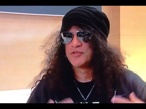 Slash confirms.. Guns N Roses are working on new material..!
