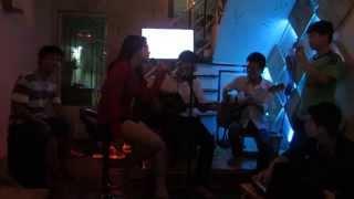 Acoustic Cỏ Và Mưa Quỳnh Trang