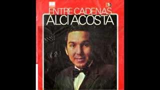 Alci Acosta Entre cadenas 1 1 Besando la cruz