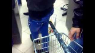 идиоты в супермаркете!!!