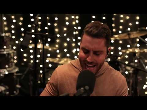 Perez - Nick Fradiani Covers Halsey's 'Without Me'