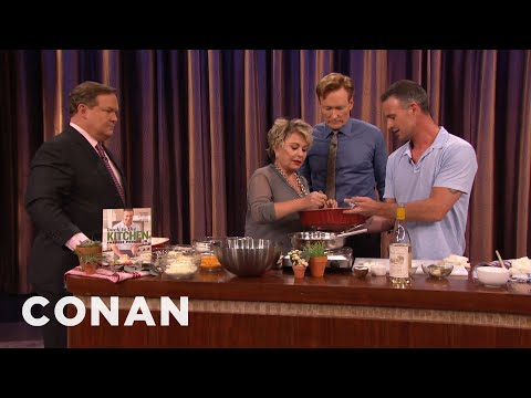 Freddie Prinze, Jr. Invites Roseanne Barr To Try His Mac 'N Cheese  - CONAN on TBS