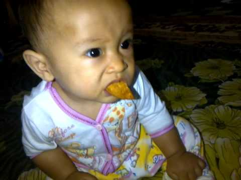 Cute Baby 9 month old : Eating and Dancing