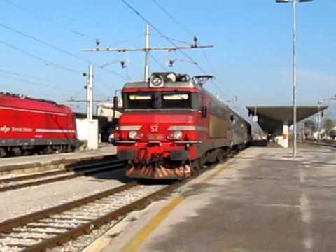 Train RG652 departing from Ljubljana for Sežana hauled by SŽ363
