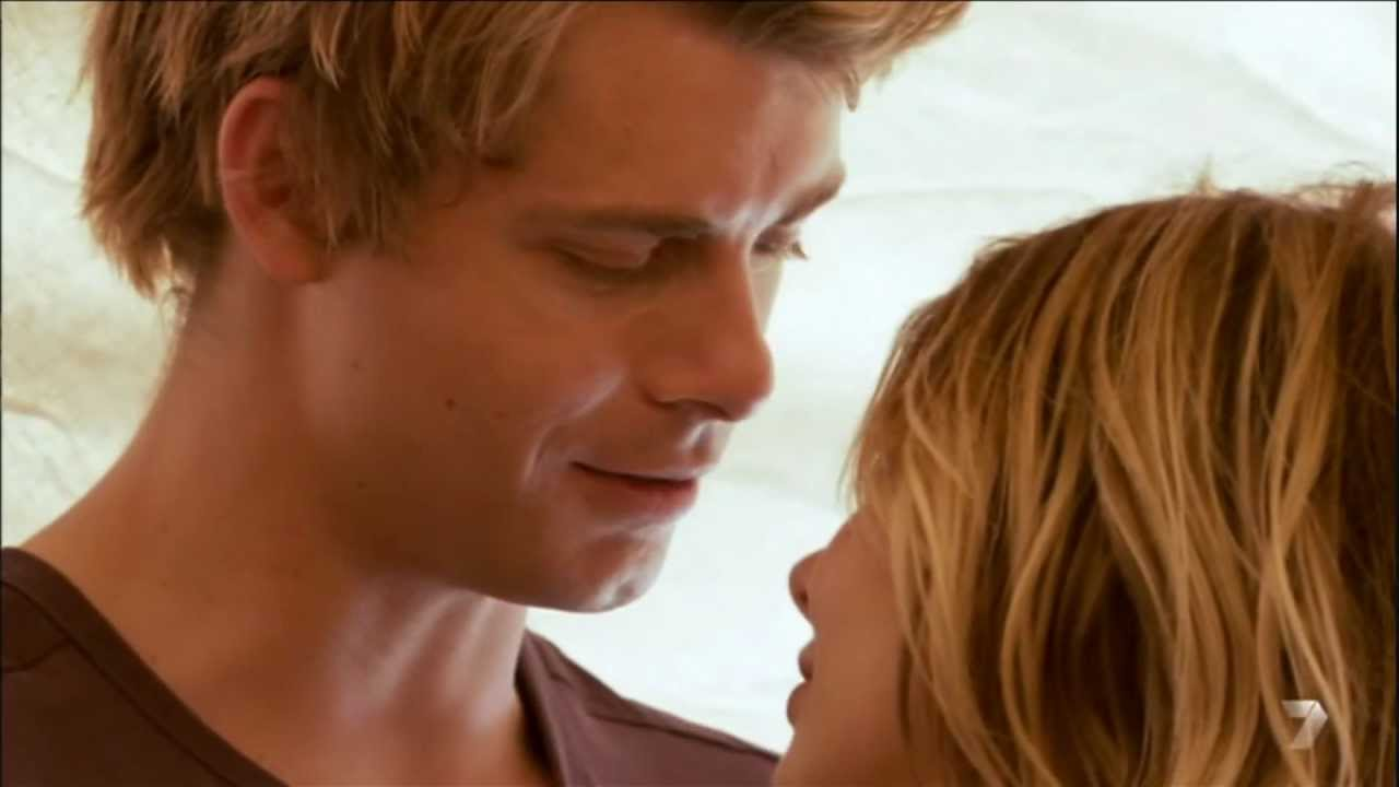 Romigo II 5711 Scene 2 Kiss On Head