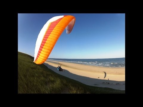 Dune paragliding Holland
