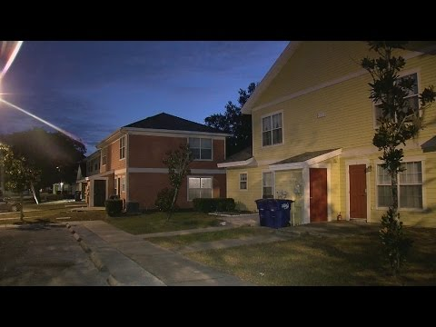 Burglars open fire on Tampa police