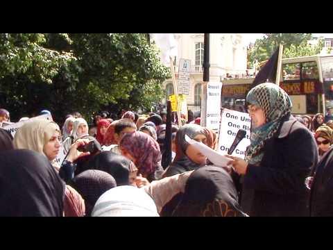 Nazreen Nawaz - Women's protest outside Syrian Embassy