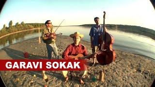 "Garavi Sokak - ""Dobro je"", dunavska intima 02, bez cipela i struje..."