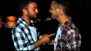Un poquito de amor en el Puente de Triana! Jonas Campos Y Alvaro Gomez