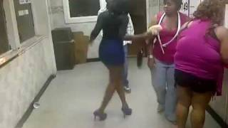 Girl Gets Smacked Up By a Dude in The Chicken Shack