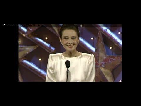 Audrey Hepburn Wins Cecil B. Demille Award  Golden Globes 1990