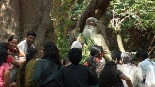 மேல்நாட்டு மோகம் நம் நாட்டு சாபம் Western influence on Indians - Sadhguru Tamil Video