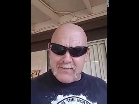Matt Burch Saludando para YouTube
