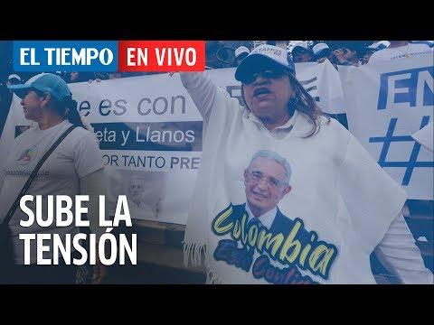 Sube la tensión afuera de la audiencia de Uribe