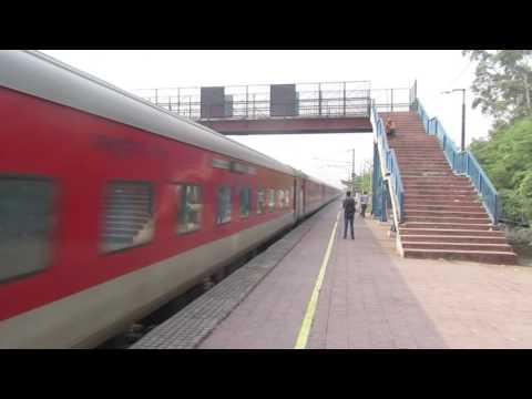 12436 New Delhi-Dibrugarh Town Rajdhani Express via LKO with TKD WDP-4D