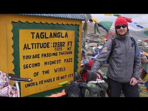 Ladakh. Srinagar Manali Highway by bicycle. Sergio Borroni e Gherardo Gambaro.  Salsa Fargo ti