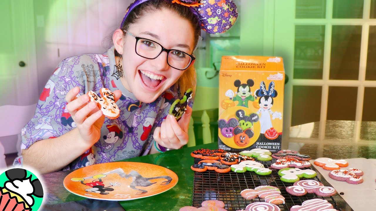My 1st Time Watching Hocus Pocus & Making Halloween Disney Cookies!! GIVEAWAY Winner & Announcements