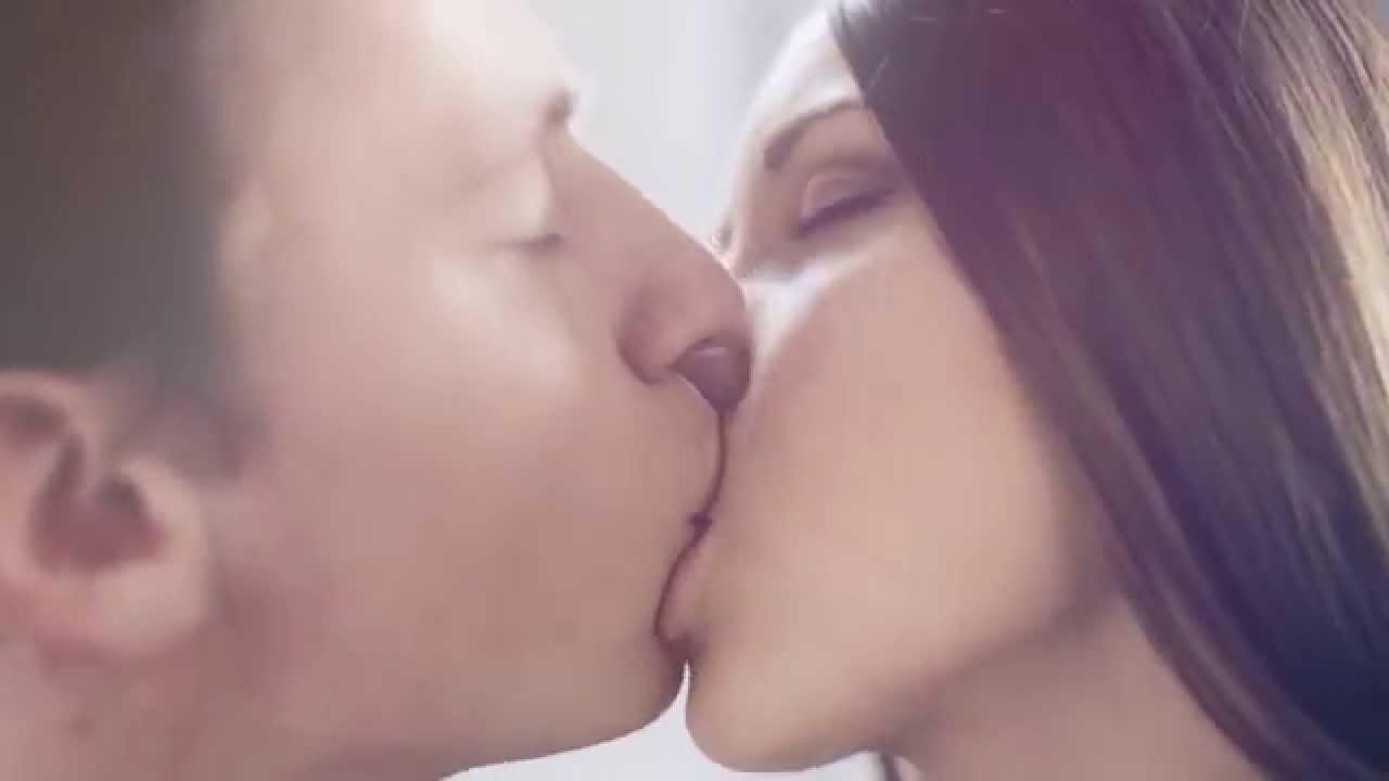 спинку, нежно смотреть как парень целует девушку взасос такое