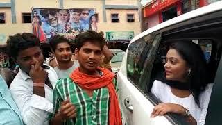 भोजपुरी एक्ट्रेस Kajal Yadav पटना में जब अपने Fans से मिलीं