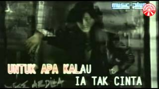 Nike Ardilla - Mama Aku Ingin Pulang [Official Music Video]