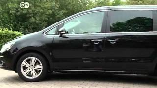 The Seat Alhambra vs Ford Galaxy | drive it!(The two MPVs share a common history.The first generation of the people-carrier in 1995 was ultimately a joint production from Ford, Seat and Volkswagen., 2012-02-08T15:30:57.000Z)