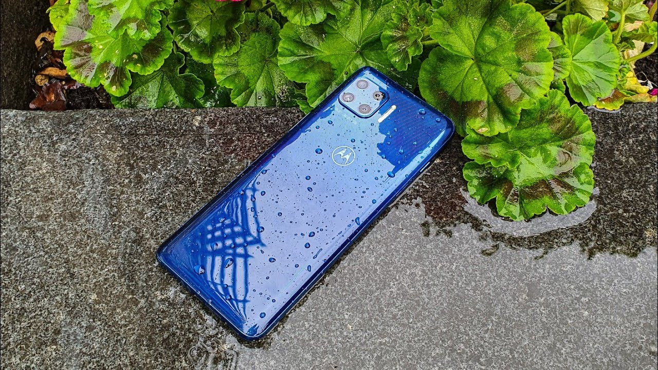 Motorola Moto G 5G Plus - Water Test (4K)