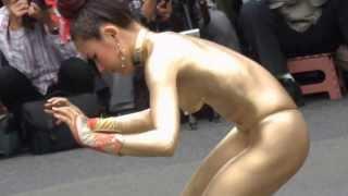 Repeat youtube video 2013/10 金粉ショウ大駱駝艦、大須