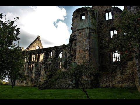 Wingfield Manor (Mary Queen of Scotts) Explore