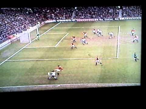 Man U free-kick taken quick, ref saves day...