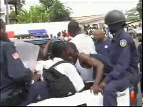 POLICE BRUTALITY ON STUDENTS IN LIBERIA.mpg