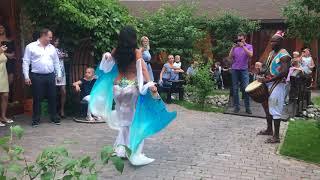 ПОСЕТИТЕЛИ В ВОСТОРГЕ!  Восточная танцовщица Выступление на летней веранде