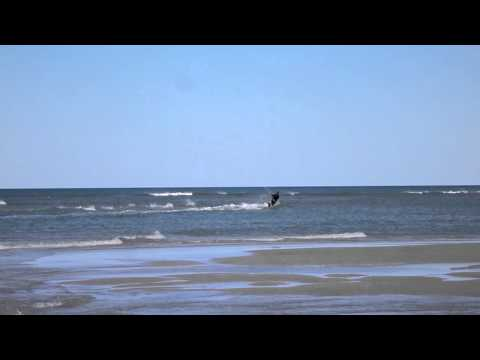 Almost Blown Out to Sea - Offshore Kitesurfing at Elliott Heads