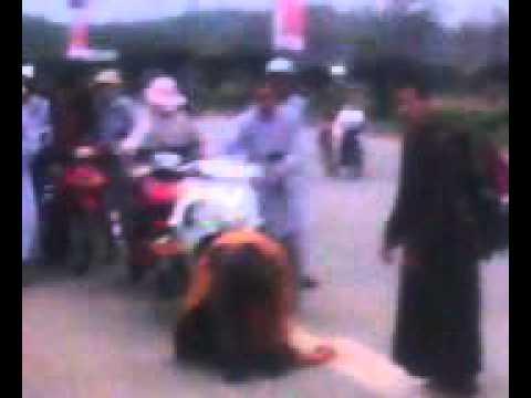 Thay Thich Tam Man !! Nhat Bo Nhat Bai -- Ra Hue 12/3/2011